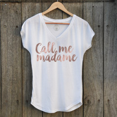 T-Shirt Call me Madame col V, couleur blanche