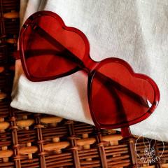 Lunettes rouges en format de cœur